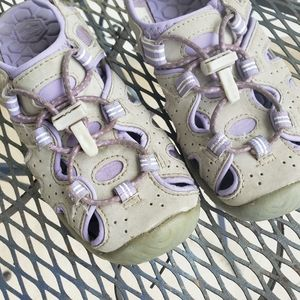 Khombu 13 water shoes purple grey
